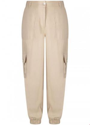 Trousers pockets logo