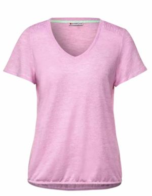 T-shirt with smocked details. logo