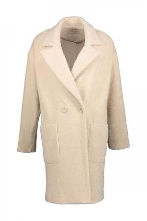 Carola jacket logo